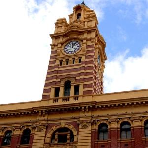 australia_melbourne_flindersstation_web