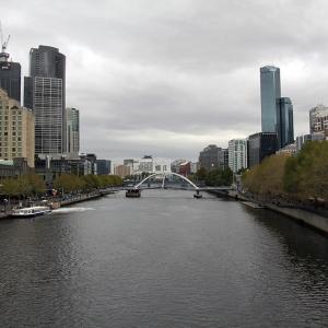 australia_melbourne_river_web