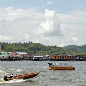 brunei_waterboat_web